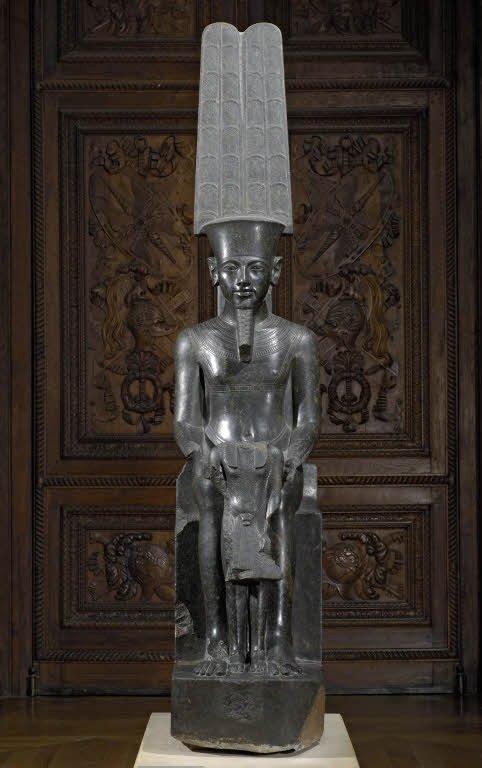 Le Dieu Amon protège Toutankamon