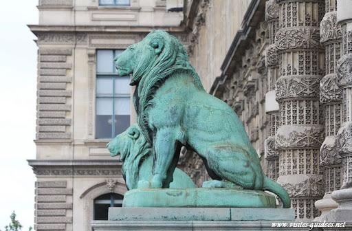 Porte des Lions musée du Louvre