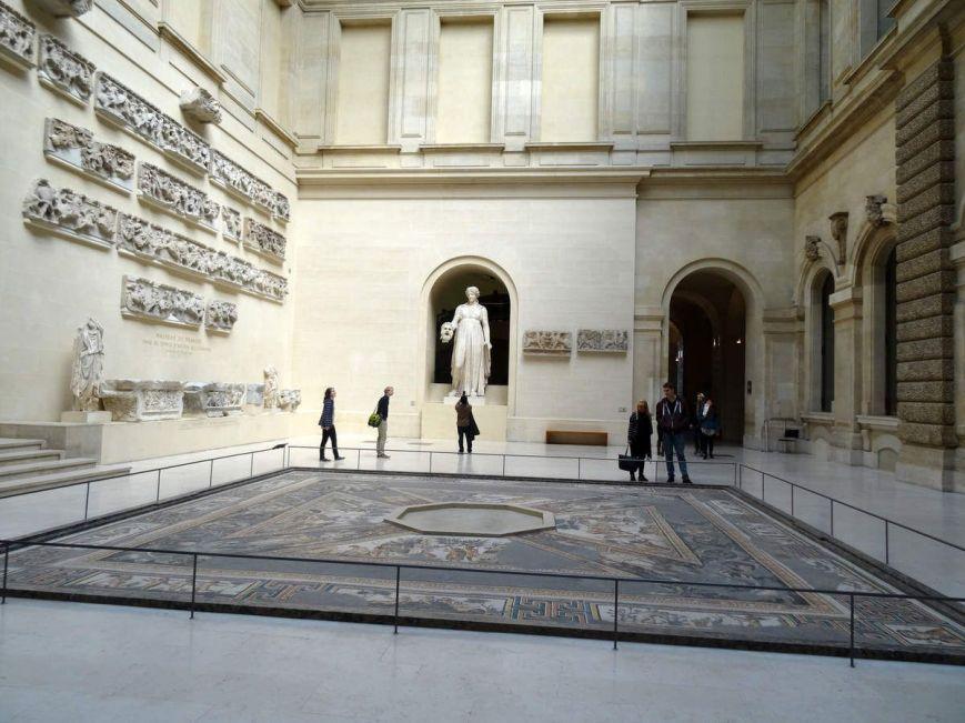 Cour du Sphinx musée du Louvre
